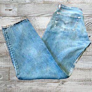 Vintage 1990s Levis 501 Red Tab Button Fly Jeans
